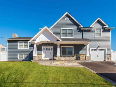 Massapequa Single Family Home For Sale: 51 Ocean Ave