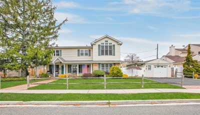East Meadow Single Family Home For Sale: 2513 Beech St