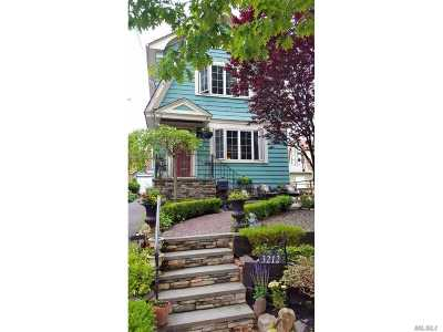 Flushing Single Family Home For Sale: 32-12 156th St