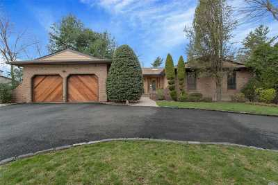 Syosset Single Family Home For Sale: 25 Pelican Ct