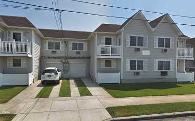 Condo/Townhouse For Sale: 112 Beach 62nd St