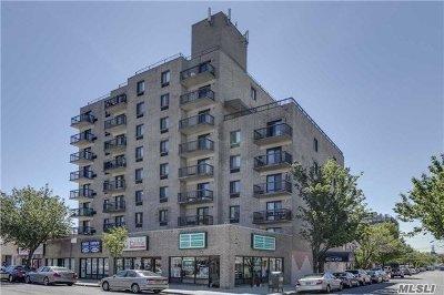 Bayside Condo/Townhouse For Sale: 213-02 42 Ave #3E