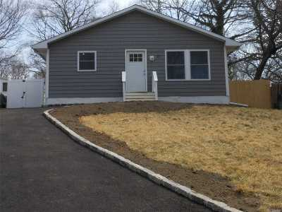 Mastic Single Family Home For Sale: 52 Dover Ave