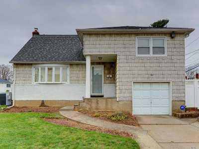 Massapequa Single Family Home For Sale: 1 Peony Dr