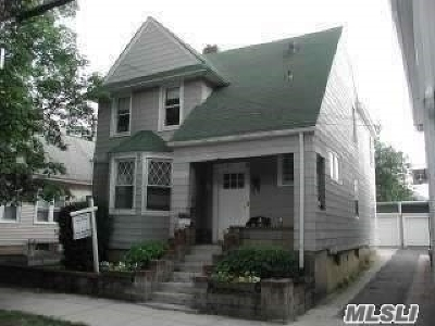 Oyster Bay Multi Family Home For Sale: 83 Maxwell Ave