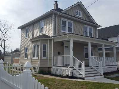 Patchogue Single Family Home For Sale: 150 Maple Ave