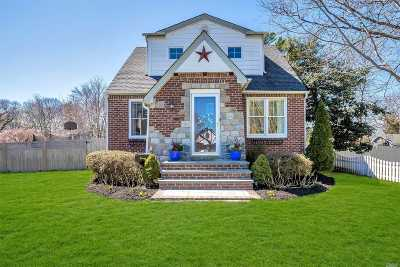 Sayville Single Family Home For Sale: 104 Sayville Blvd