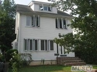 W. Hempstead Single Family Home For Sale: 14 Hawthorne St