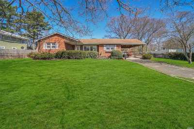 Farmingville Single Family Home For Sale: 75 Oaklawn Ave