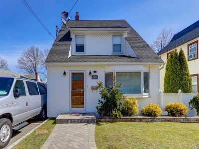 New Hyde Park Single Family Home For Sale: 570 N 2nd St