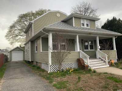 Roosevelt Single Family Home For Sale: 61 Davis St