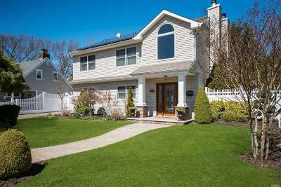 East Meadow Single Family Home For Sale: 2401 Madison Dr