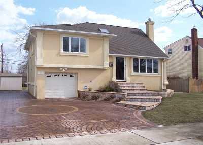 Massapequa Single Family Home For Sale: 15 Martin St