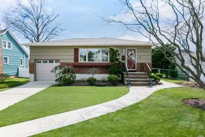 Wantagh Single Family Home For Sale: 3000 Wilson Ave