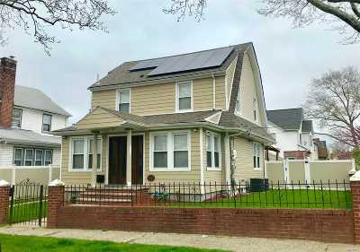 Jamaica Single Family Home For Sale: 116-19 194th St