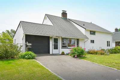 Levittown Single Family Home For Sale: 30 Pelican Rd