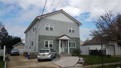 Hicksville Single Family Home For Sale: 82 Sackett St