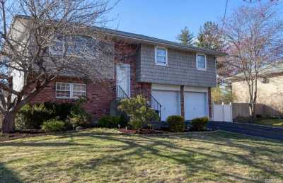Smithtown Single Family Home For Sale: 14 North Ave