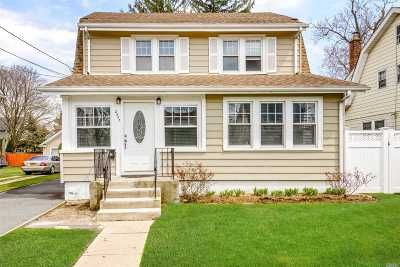 Baldwin NY Single Family Home For Sale: $459,000