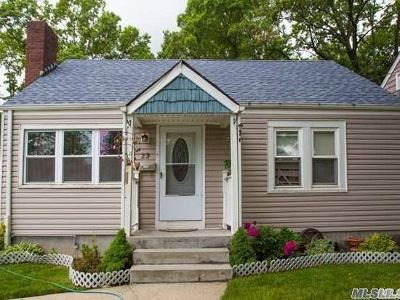 Queens County, Nassau County Single Family Home For Sale: 23 Wagner Ave