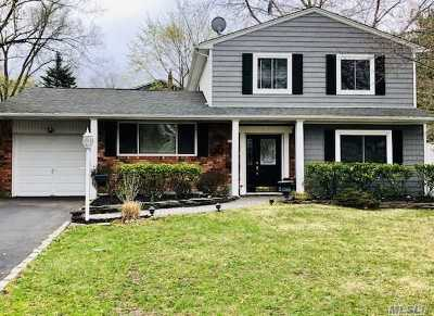 Smithtown Single Family Home For Sale: 136 Plymouth Blvd
