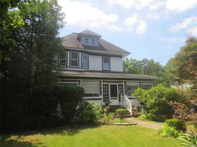 Lynbrook Single Family Home For Sale: 606 Scranton Ave