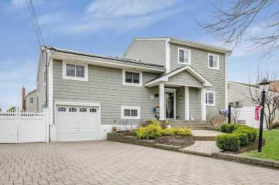 Massapequa Single Family Home For Sale: 9 Bayview Pl
