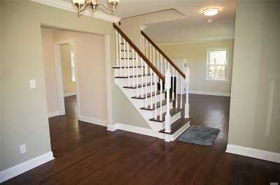 Dix Hills Single Family Home For Sale: 515 Caledonia Rd