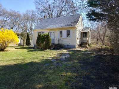 Shirley Single Family Home For Sale: 444 Rowlinson Dr