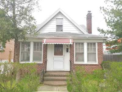 Hillcrest Single Family Home For Sale: 80-14 161st St