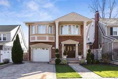 Little Neck Single Family Home For Sale: 41-58 Glenwood St