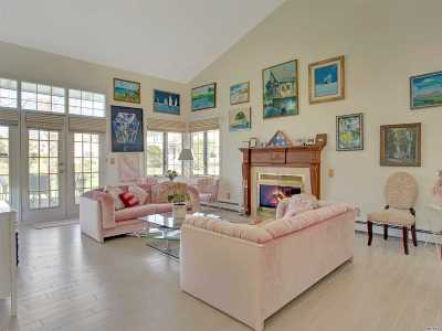 Bay Shore Condo/Townhouse For Sale
