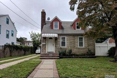 Queens County, Nassau County Single Family Home For Sale: 101 Courtenay Rd