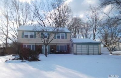 S. Setauket Single Family Home For Sale: 18 Tulip Hill Ln