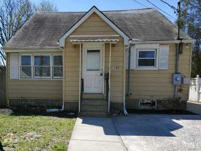 Copiague Single Family Home For Sale: 1165 S Strong Ave