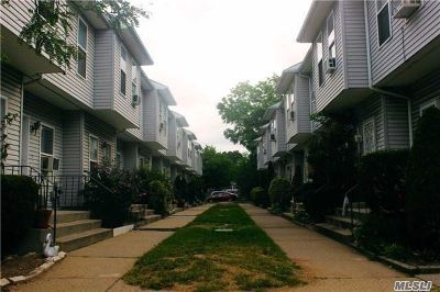 Hempstead Condo/Townhouse For Sale