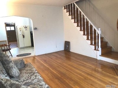 Middle Village Single Family Home For Sale: 60-38 78th St