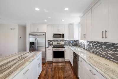 Bay Shore Single Family Home For Sale: 1472 Saint Louis Ave