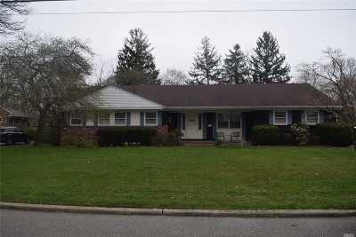 Great River Single Family Home For Sale: 42 Church Rd