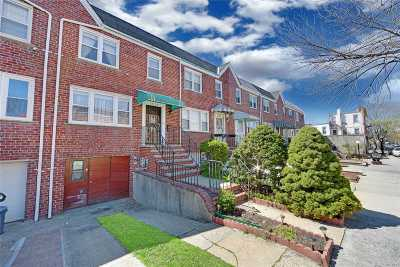 Astoria, Long Island City, Sunnyside, Woodside, Jackson Heights, Middle Village, Maspeth, Glendale, Ridgewood Single Family Home For Sale: 71-22 71 Pl