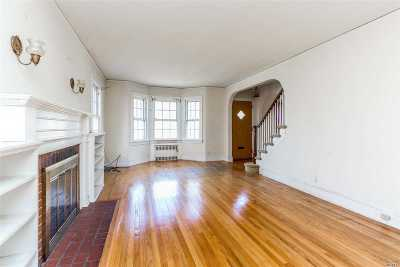 Little Neck Single Family Home For Sale: 53-16 Concord St