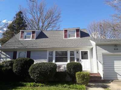 Roosevelt Single Family Home For Sale: 206 Elmwood Ave