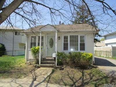 Rockville Centre Single Family Home For Sale: 1224 Woodfield Rd
