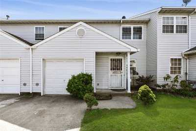 Queens County, Nassau County Condo/Townhouse For Sale: 45 Baldwin Rd