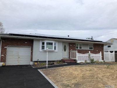 Deer Park Single Family Home For Sale: 318 E 4 St