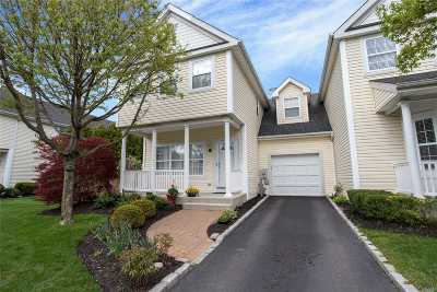 Smithtown Condo/Townhouse For Sale: 45 Paddington Cir