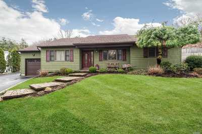 Smithtown Single Family Home For Sale: 710 Meadow Rd