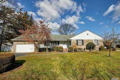 Massapequa Single Family Home For Sale: 21 Prospect Pl