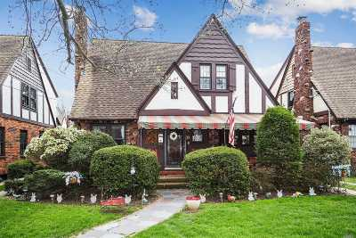 Floral Park Single Family Home For Sale: 36 Marshall Ave