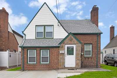 Franklin Square Single Family Home For Sale: 26 Poppy Ave